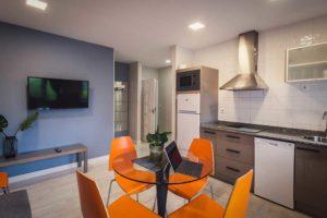 apartamentos river santander cocina
